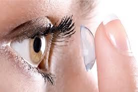 lenti a contatto occhi rossi